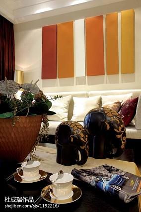 精选四居客厅东南亚装修实景图片