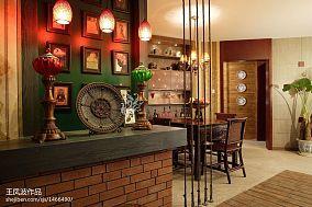 热门105平米三居玄关东南亚装修欣赏图片大全