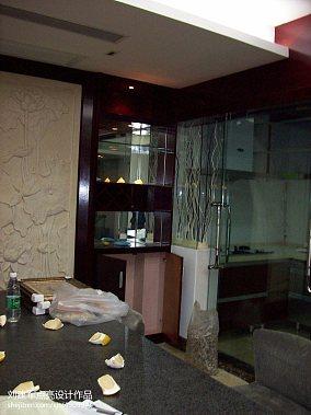 客厅白色百叶窗帘图片欣赏设计