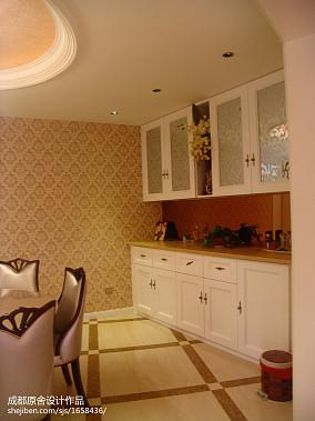 客厅东南亚电视墙