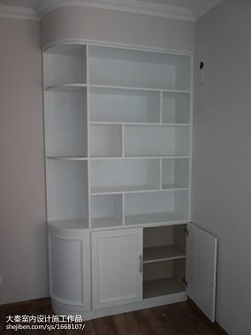 现代标准间室内图片