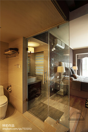热门126平米四居卫生间现代装饰图片