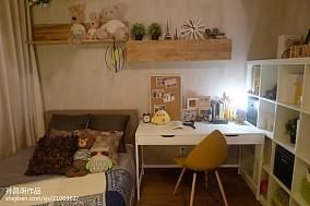 现代风格卧室书桌效果图