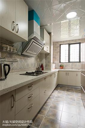 中式风格厨房吊顶装修效果图餐厅中式现代厨房设计图片赏析