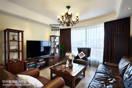 热门面积101平美式三居客厅装饰图