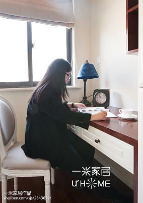 华丽44平美式复式卧室设计图