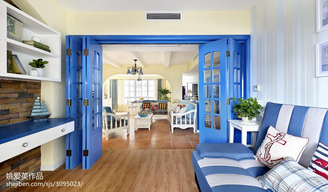 最新地中海风格书房折叠门装修设计