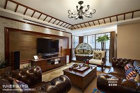 热门东南亚四居客厅装饰图