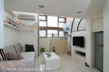 客厅望向吧台_1493404_180762360m²以下潮流混搭家装装修案例效果图
