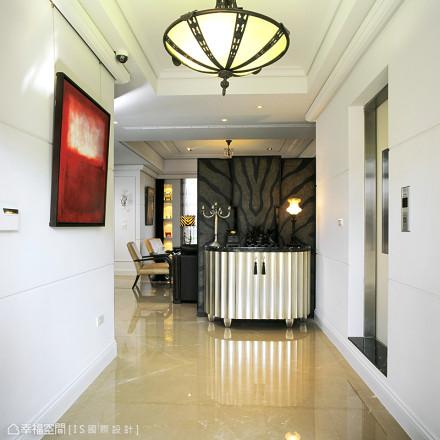 温馨270平混搭别墅设计美图玄关