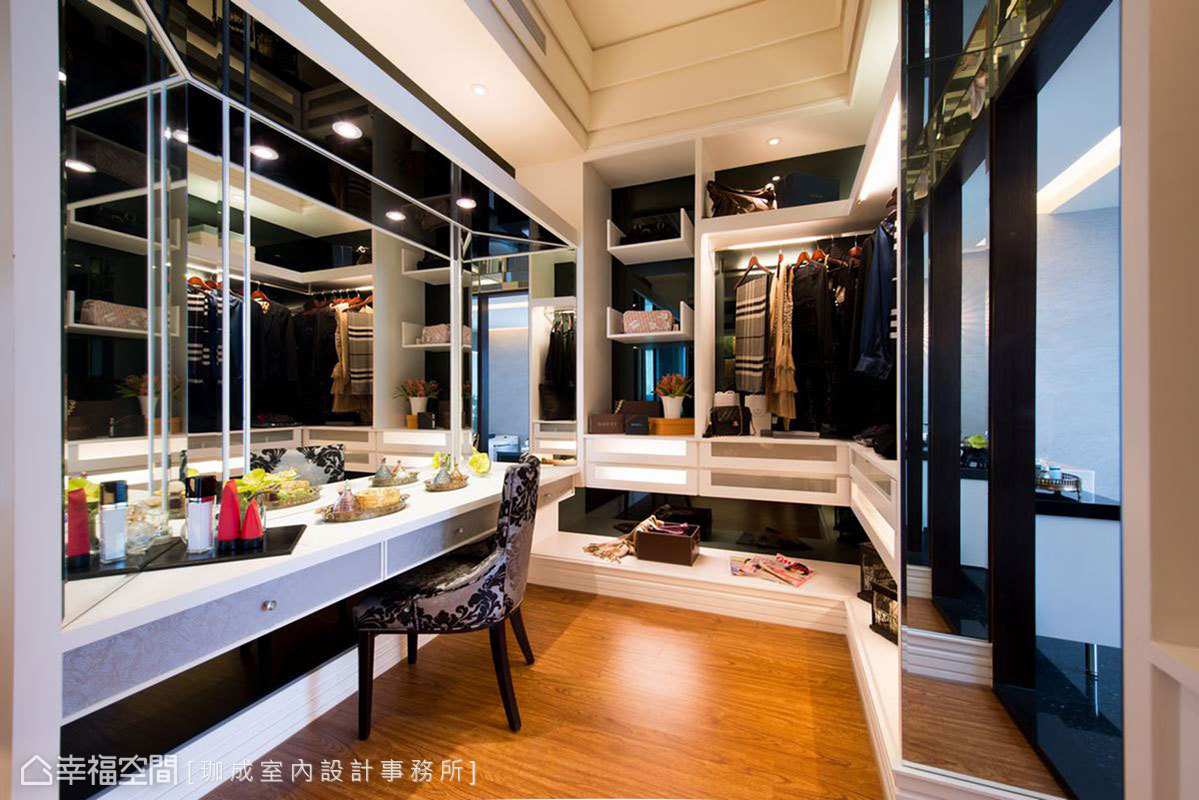 后现代主义风格装修效果图图集客厅3图现代简约客厅设计图片赏析
