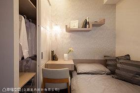 2018小户型卧室现代装修设计效果图