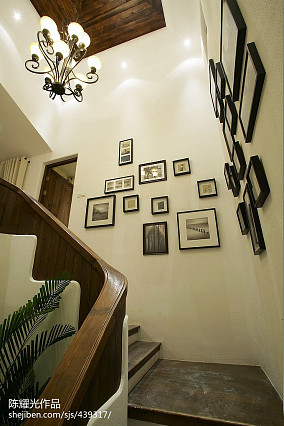地中海风格样板房楼梯装修设计