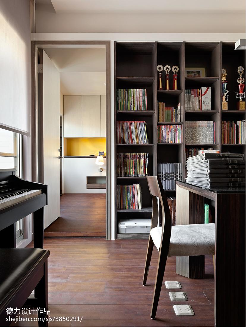 现代时尚风格书房过道设计效果图