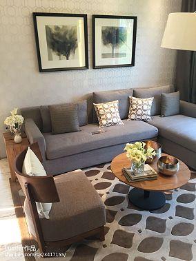 2018101平米三居客厅新古典装修实景图