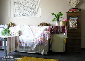精美80平混搭三居客厅布置图