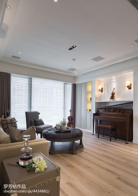 201897平米三居客厅新古典装修实景图片