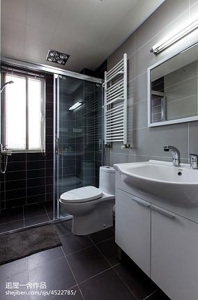 面积142平现代四居卫生间装饰图片大全