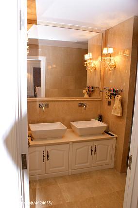 轻奢790平新古典别墅卫生间图片欣赏卫生间美式经典设计图片赏析