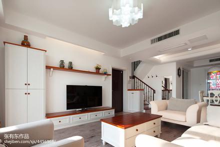 明亮62平美式复式客厅装潢图