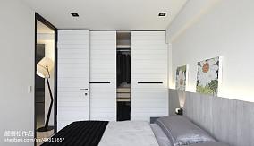 热门二居卧室现代装修效果图片