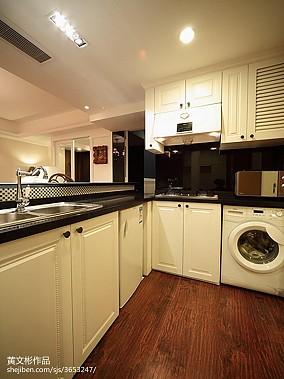 北欧雅致厨房装修示例