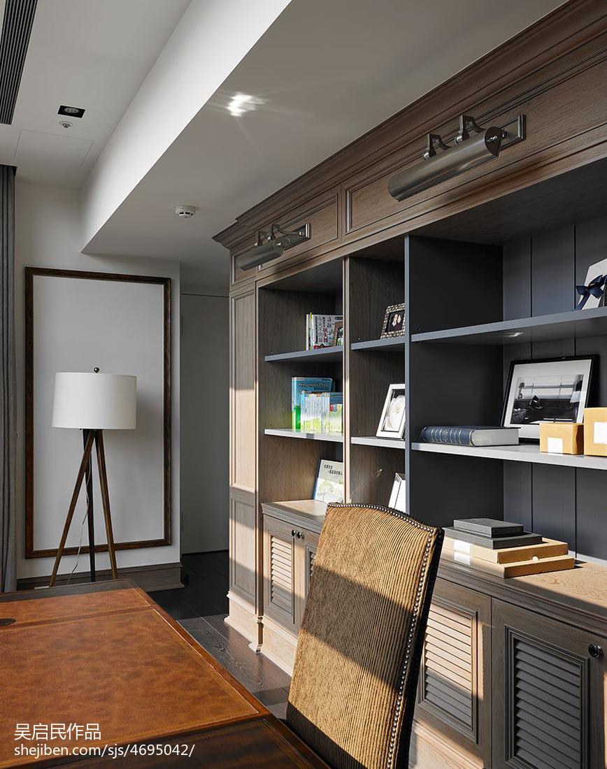 美式风格书房书柜装修效果图