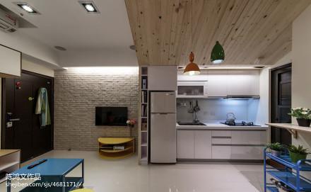 面积80平混搭二居厨房装修实景图