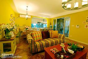 轻奢79平地中海三居客厅设计效果图