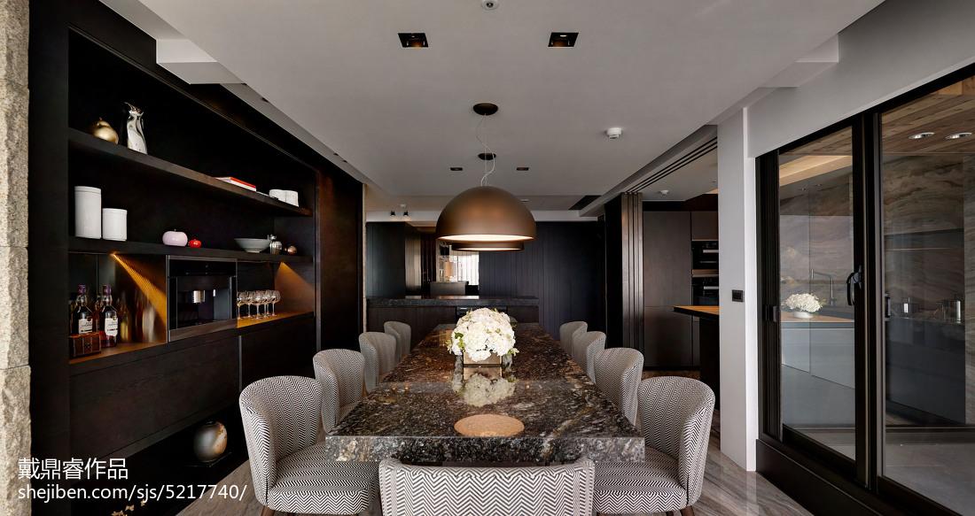 三居室混搭餐厅酒柜设计