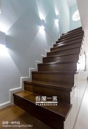 北欧风格楼梯设计效果图