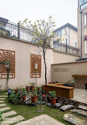 热门114平米新古典别墅花园欣赏图片