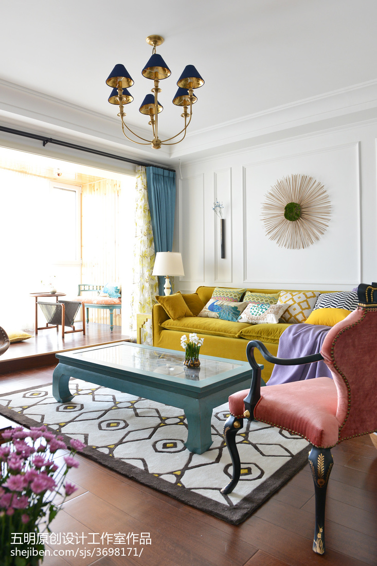 悠雅126平混搭三居客厅装饰图客厅