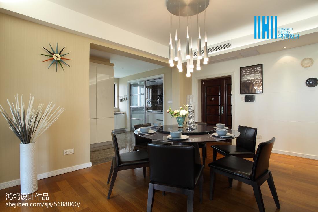 2018大小99平简约三居餐厅装修图片厨房木地板现代简约餐厅设计图片赏析