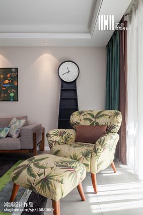 精选90平米三居客厅简约实景图片