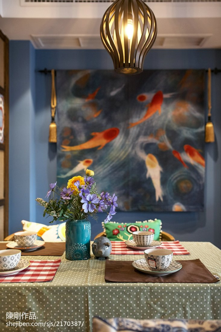 混搭餐厅背景墙效果图赏析客厅潮流混搭客厅设计图片赏析