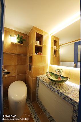 面积126平复式卫生间装修图
