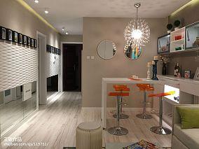 精选85平米现代小户型客厅装修图片