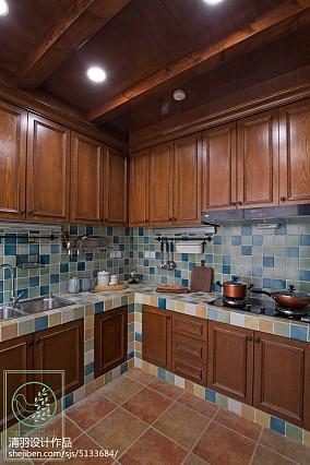 2018129平米美式别墅厨房装修效果图片大全