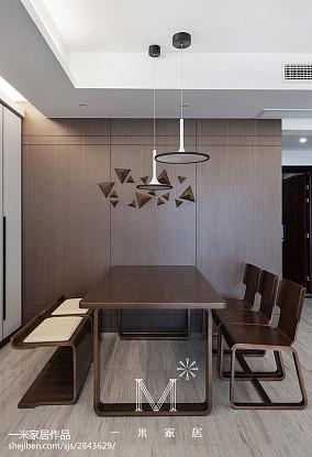 热门大小132平美式四居餐厅装修效果图片欣赏121-150m²四居及以上美式经典家装装修案例效果图