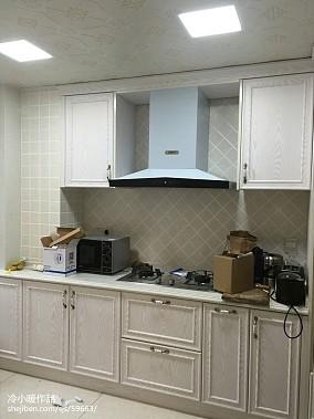 19万打造三居简约风格厨房橱柜装修效果图大全2014图片