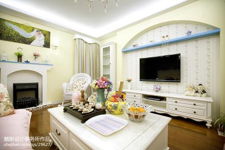 面积89平地中海二居客厅装修效果图片欣赏