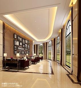 简单挑高客厅沙发背景墙