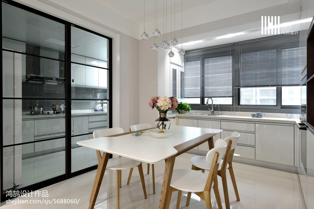 热门109平米三居餐厅现代装修实景图片厨房门2图现代简约餐厅设计图片赏析