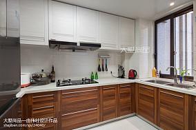 热门现代四居厨房欣赏图