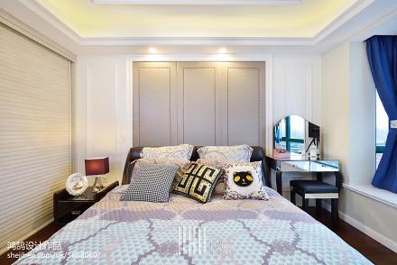 热门109平米三居卧室简约装修实景图卧室