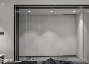 大气116平现代三居玄关装修案例