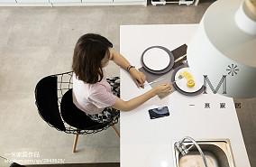 优雅34平现代小户型厨房效果图欣赏