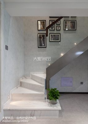 现代风格楼梯装饰图