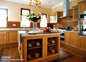 精美欧式别墅厨房装修设计效果图